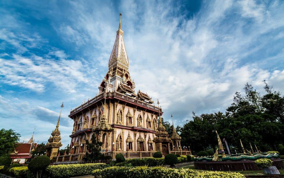 Храм острова Пхукет чалонг